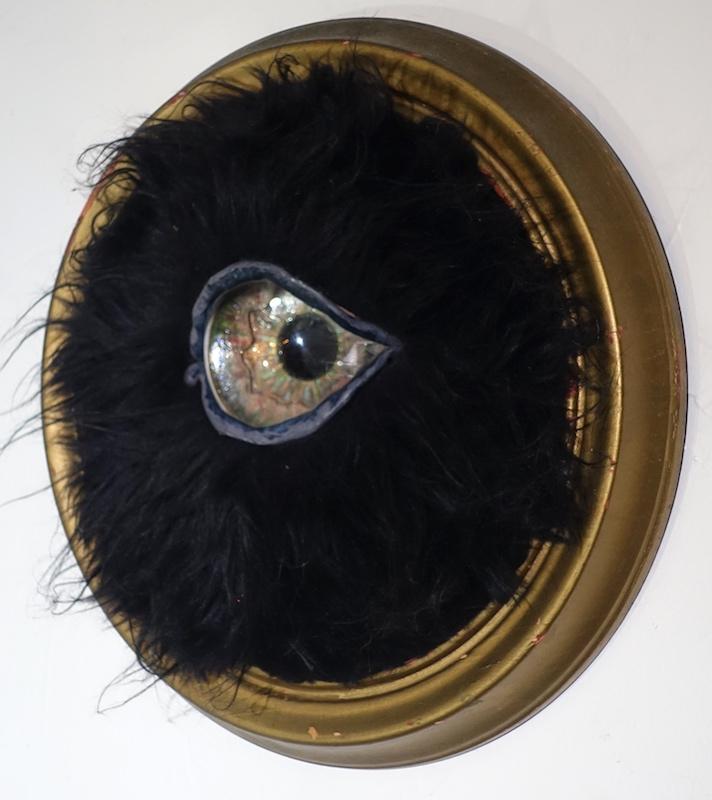 Black Round Eye