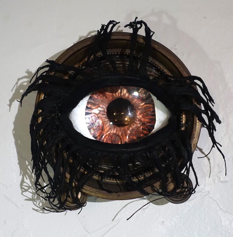 H Eye Z